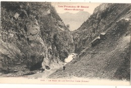 --- 65 ----  HAUT ARAGON -  Le Paso De Las Devotas   Neuve - Excellent état - France