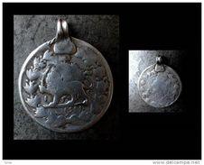 Ancien Pendant Amulette Pièce Lion Ouzbekh  / Old Silver Coin Pendent From Uzbekistan - Archéologie