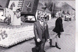 56 - Morbihan - GUEMENE Sur SCORFF  - Cavalcade 1982 - Le President Aux Courses  -   Photo Y . Kervinio - - Guemene Sur Scorff