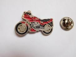 Beau Pin's  , Moto Guzzi - Motorfietsen