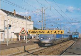TGV Atlantique Et Automotrice Z9600, à Savenay (44) - - Savenay