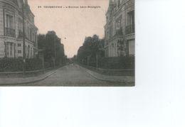 Courbevoie L'avenue Léon Bourguin Ref 08/13/17 - Courbevoie