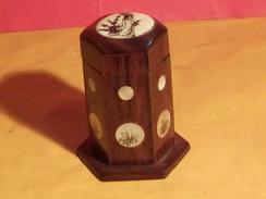 ANCIENNE PETITE BOITE EN BOIS EXOTIQUE ASIATIQUE BELLE DECO NACRE ? EXTERIEUR VERNIS Comme Neuve ! - Boxes