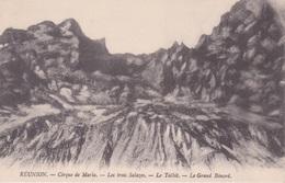 974 - Vue De Marla A MAFATE- Ile De La REUNION - ILE BOURBON - LES 3 SALAZES - TAÏBIT - LE GRAND BENARE - Réunion