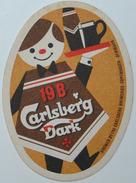 Sous-bock 19B CARLSBERG DARK (serveur) Bierdeckel Bierviltje Coaster (CX) - Sous-bocks