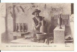 Cpa  GOLFE JUAN Poterie De Golfe Juan Un Tourneur (poterie D Art)ecrite Parfait Etat Port 0,75 - Other Municipalities