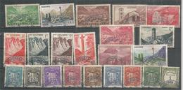22 Timbres à Partir Des Années 1937, Oblitérés 1 ère Qualité, Vues Des Escaldes,Santa Coloma,Croix De Meritxell,etc - Andorre Français