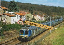 Automotrice Z6400 Pour Versailles, à Chaville-Rive Droite (92) - - Trains