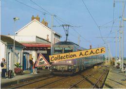 """BB 26000 Et Train Corail """"Interloire"""", En Gare Du Pouliguen (44) - - Le Pouliguen"""