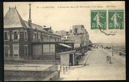 Cabourg - L' Hôtel Des Ducs De Normandie Et La Digue - Cabourg