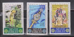ST CHRISTOPHER Scott # 332-4 Mint Hinged - QEII Silver Jubilee - Francobolli
