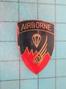 Pin415a Pin's Pins : Rare Et Belle Qualité MILITARIA / 187e PARACHUTE REGIMENT US ARMY AIRBORNE - Militares