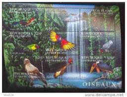 CENTRAFRICA   1409  MINT NEVER HINGED MINI SHEET OF BIRDS   ( - Non Classés