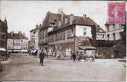 THIONVILLE.la Mairie Et La Rue General Pau - Thionville