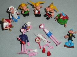 Lot D'anciennes Figurines KINDER Plastique à Monter, Astérix Panthère Rose Panoramix, Personnages BD - Familles