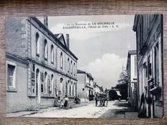 CPA AIGREFEUILLE L'hotel De Ville Environs De La Rochelle Animée 17 - Francia