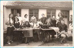 WW2 ... POZEGA - Krojacka Skola 1942. ( Croatia - NDH ) * REAL PHOTO * Sewing Tailor School - Croatia