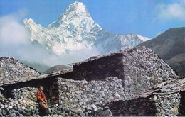 NEPAL - COLOUR PICTURE POST CARD - PEAKS OF HIMALAYA - AMA DABLAM - TRAVEL / TOURISM / MOUNTAINEERING - Nepal