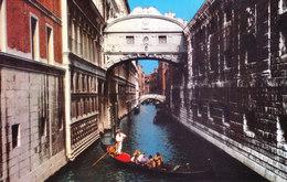ITALY - COLOUR PICTURE POST CARD - SCENE OF VENEZIA / VENICE - TRAVEL AND TOURISM THEME - Italie
