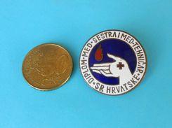 GRADUATE NURSE - Yugoslav Old Enamel Breast Pin Badge * Krankenschwester Infermiera Medicina Medicine Medizin Medicina - Medical