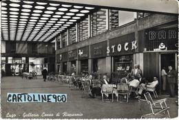 Emilia Romagna-ravenna- Lugo Galleria Cassa Di Risparmio Veduta Negozi Tavoli Bar Persone Animatissima Anni 50/60 - Autres Villes