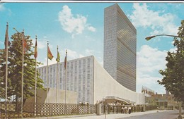 ETATS-UNIS--THE UNITED NATIONS WORLD CAPITAL STANDS ON THE SITE ...--voir 2 Scans - New York City