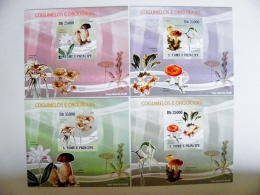 Sale! LUXE Cards Blocks OFFICIAL PRODUCT St.Tome E Principe 2009 Mushrooms Champignons Orchids Flowers 4 Cartes - Sao Tome And Principe