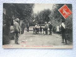 CARTE POSTALE DE UCHIZY LE BOULODROME UNE PARTIE DE BOULES ... LA FANNY / DATÉE 1911 - France