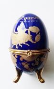 Oeuf En Porcelaine Décor Scorpion Signe Zodiacal - Eggs