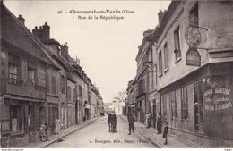 Chaumont En Vexin - Rue De La République - Chaumont En Vexin