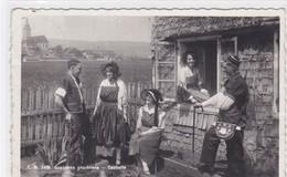 Bulle, Groupe En Costumes Gruériens à La Ferme De La Petite Condémine - FR Fribourg