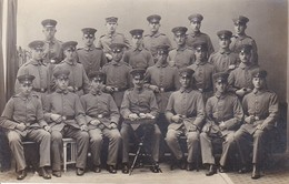 AK Foto Gruppe Deutsche Soldaten - Atelier Hartmann, Dessau - 1. WK (30237) - Weltkrieg 1914-18