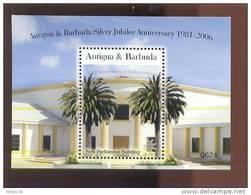 MNH ANTIGUA & BARBUDA #2908 : SOUVENIR SHEET INDEPENDENCE NEW PARLIAMENT BUILDING - Antigua En Barbuda (1981-...)