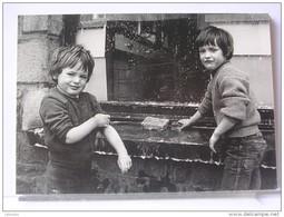 YVON KERVINIO - CORVEE DE VITRES - 1983 - 150 EX. - ETAT NEUF - Autres Photographes