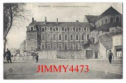 CPA - Rue Bien Animée En 1916 - Ancienne Abbaye Et Abside De Notre Dame - BEAUGENCY 45 Loiret - Edit. A. Lefèvre Lib. - Beaugency