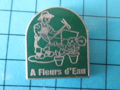 Pin615a Pin´s Pins / Beau Et Rare : MARQUES / JARDIN JARDINIER FLEURS A FLEURS D'EAU Par AJPR - Marques