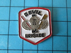 Pin615a Pin´s Pins / Beau Et Rare : MILITARIA / INSIGNE US ARMY PARAS DEVIL BRIGADE - Militair & Leger