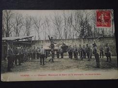 """VESOUL (Haute-Saône) - 11e CHASSEURS - MANIEMENT Du SABRE Sur Le MANNEQUIN """" Le CHEVAL De BOIS """"- Voyagée Le 9 Mars 1907 - Vesoul"""