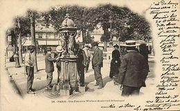 CPA Paris 8e (Dep. 75) Une Fontaine Wallace Boulevard Sébastopol (80101) - France