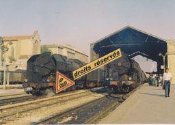 Locos 141 R Et Trains De Voyageurs, En Gare De Toulon (83) - - Gares - Avec Trains