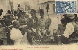 CPA Djibouti Afrique - Devant Un Café Somalis (86936) - Djibouti