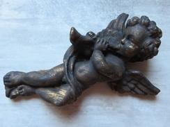 107 - Sculpture Angelot Musicien Hautbois - Déco En Plâtre Doré Et Noirci - Autres