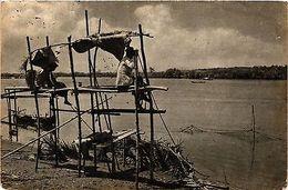 CPA Indonesia, Visvangst Langs De Tello-rivier (360576) - Indonésie
