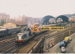 BB 66000 Avec Train De Voyageurs, En Gare De Nice-Ville (06) - Stations With Trains