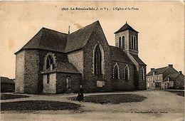 CPA  La Dominelais (I.-et-V.) -L'Église Et La Place    (298097) - Frankreich