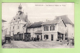 CORBELIN - GARE Et Hôtel De Ville : Arrivée Du Tramway - Superbe Scène Animée -  TBE - Ed. Perrin - 2 Scans - Corbelin