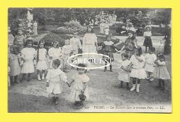CPA 03 VICHY Les Enfants Dans Le Nouveau Parc - Vichy