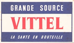 France Buvard  Grande Source Vittel ( Pliure, Taches ) 19,5 Cm X 11,5 Cm - Blotters