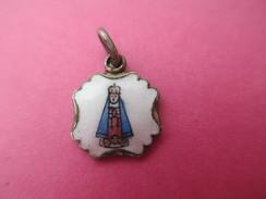 Mini Médaille Religieuse Ancienne/Sainte Vierge/Eglise/Amérique Latine ? / émaillée/Fin  XIXéme Siécle    CAN437 - Religion & Esotericism