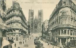 BRUXELLES - L'Eglise Et La Rue Ste Gudule - Avenues, Boulevards